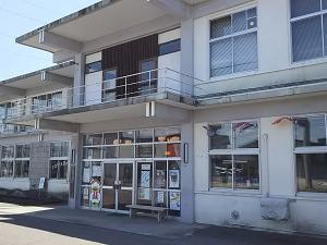 十和田図書館外観